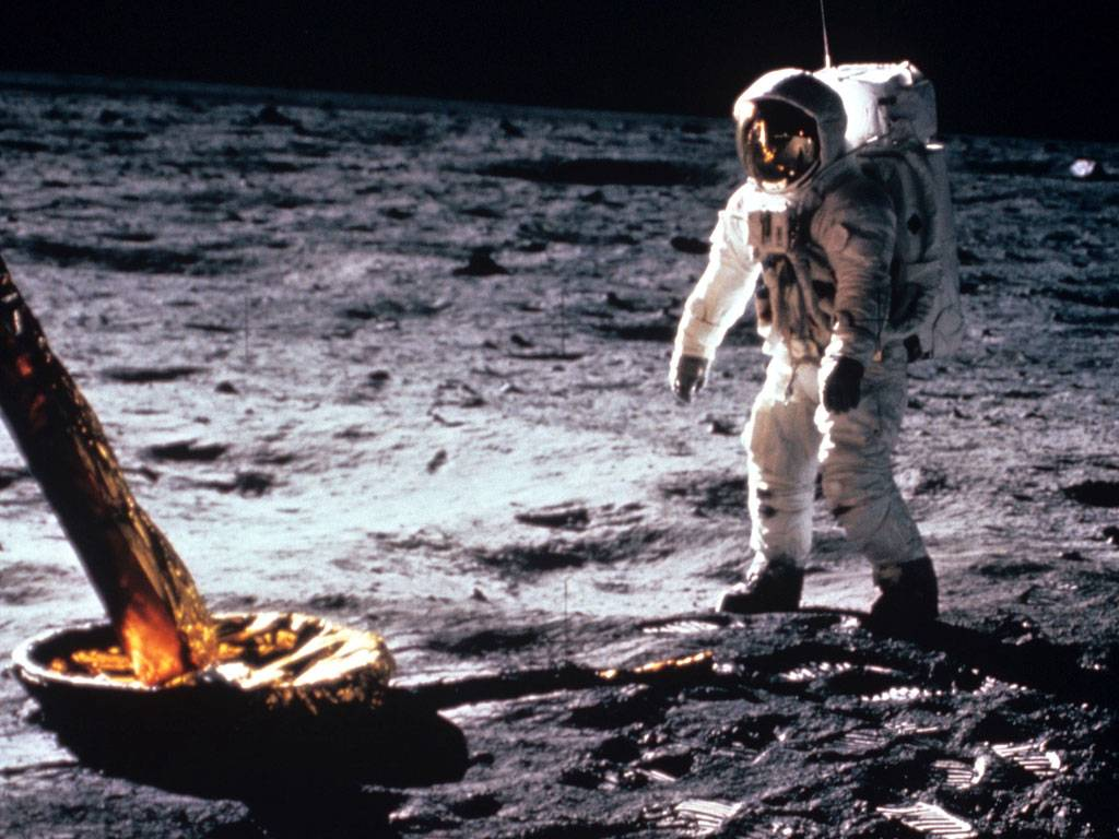 the life and accomplishments of neil armstrong