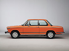 bmw-2002-tii-reconstructed-side-studio-1280x960.jpg