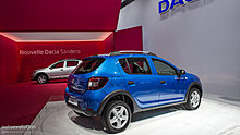 paris-2012-dacia-sandero-stepway-live-photos-1080p-1.jpg