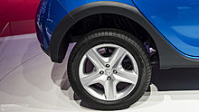 paris-2012-dacia-sandero-stepway-live-photos-1080p-7.jpg
