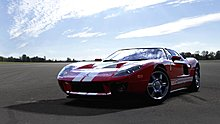 forza-motorsport-4_spike-video-game-awards_2005_ford_gt_2-1280px-50p.jpg
